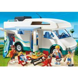 Famille avec camping-car