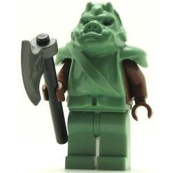 Gamorrean Guard with sand green hips, reddish brown arms
