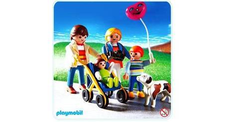 Promenade en famille avec poussette sets divers 3209 b for Piscine playmobil 3205