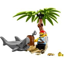 Classic Pirate Minifigure