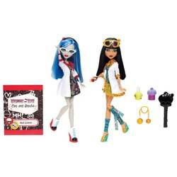 Ghoulia Yelps & Cleo de Nile - Mad Science - Classroom
